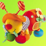Ребенок требует детские игрушки