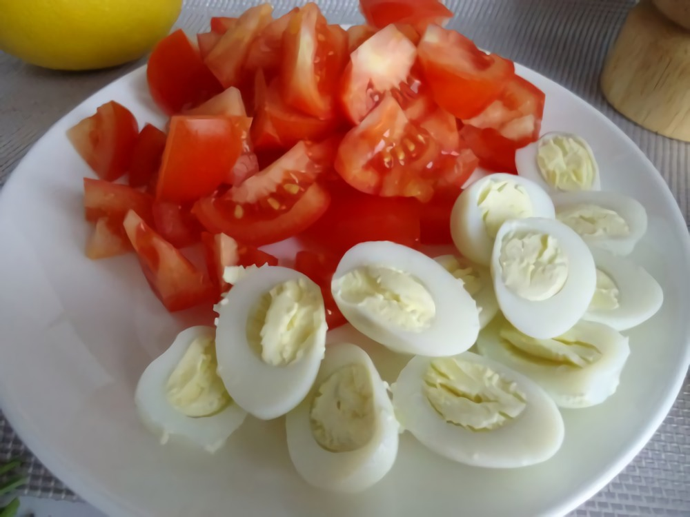 Салат с креветками и авакадо