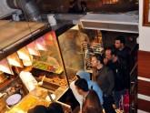 Кафе, рестораны и клубы на улице Истикляль в Стамбуле