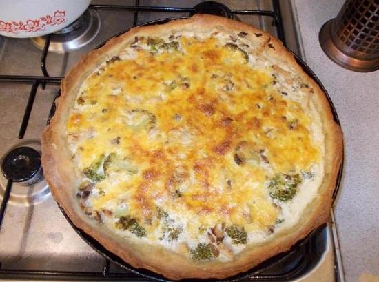 лоранский пирог с брокколи и сыром