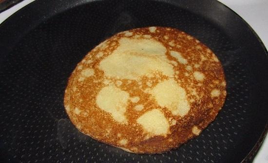Панкейки на воде: рецепты приготовления с яйцами, без разрыхлителя
