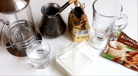 Чем отличается латте от капучино? Как правильно приготовить такие напитки?
