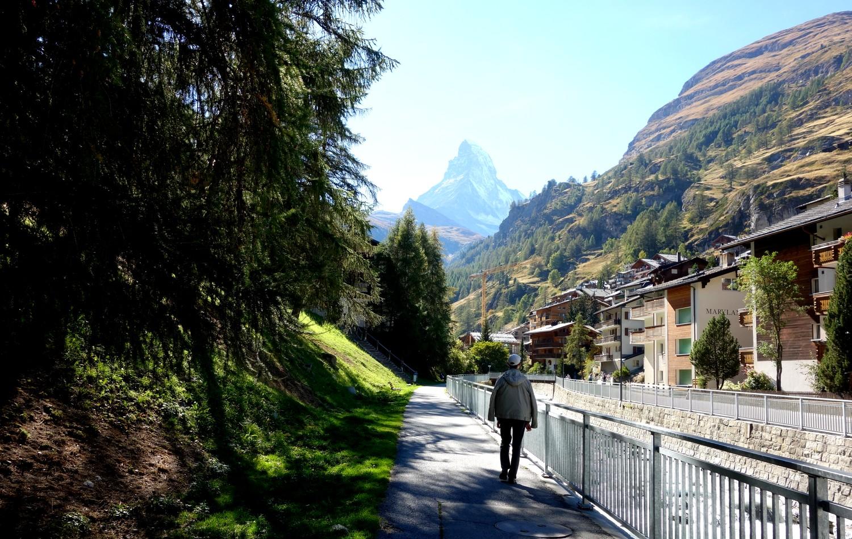 Деревня Церматт в горах Щвейцарии